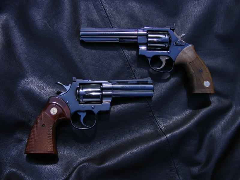 Le duel Colt Python VS Manurhin MR73 1641976945394401