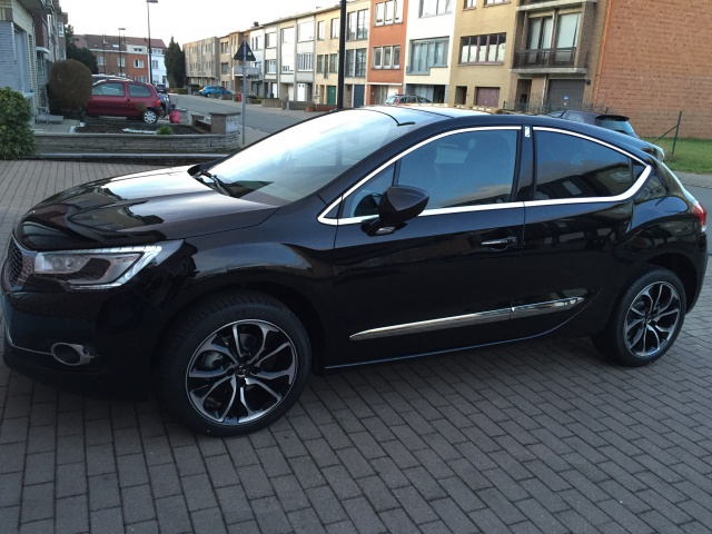 New DS4 BlueHdi 115 Sport Chic noir Perla. 166072IMG2485