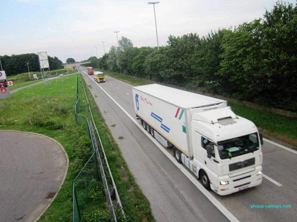 Photos avec plusieurs camions - Page 3 172809photoscamions4Juillet2012130Copier