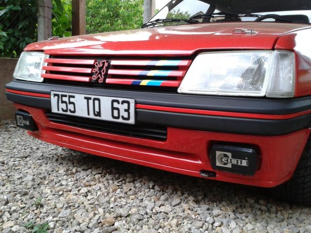 [AutoRétro-63]  205 GTI 1L9 - 1900cc rouge vallelunga - 1990 - Page 5 17562120130528184157