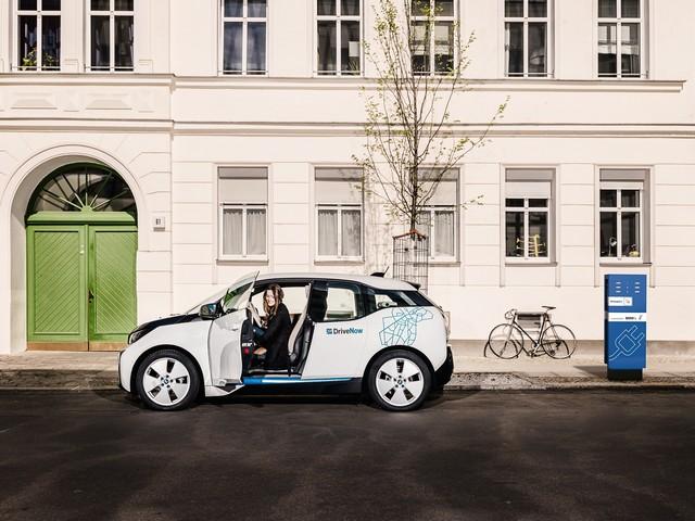 BMW Group : 1er constructeur automobile fournisseur de services à la mobilité électrique avec l'extension de son offre ChargeNow en France  176808P90190786highResbmwi3atdrivenowb