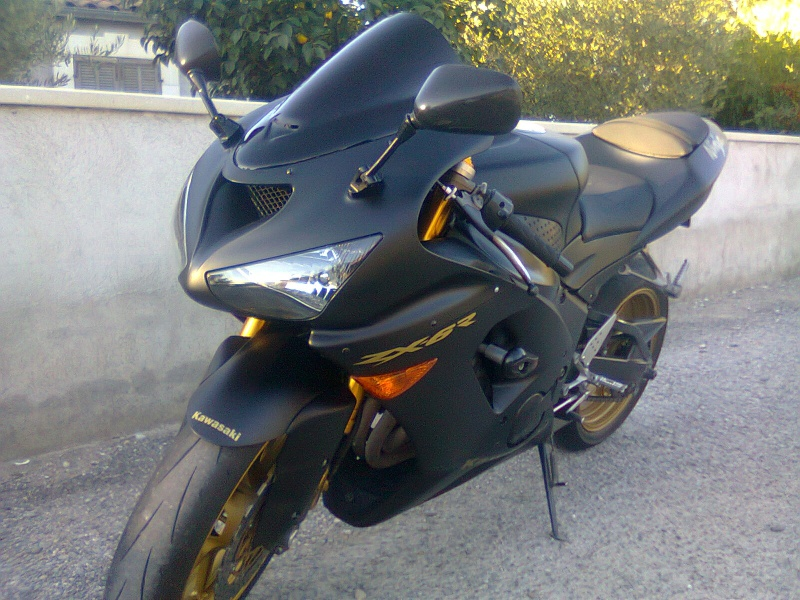 Ma moto furtive black mat et or  182626zx6r2