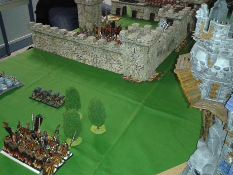 Siège de forteresse Empire + Breto VS Chaos + O&G 18465720141205230840