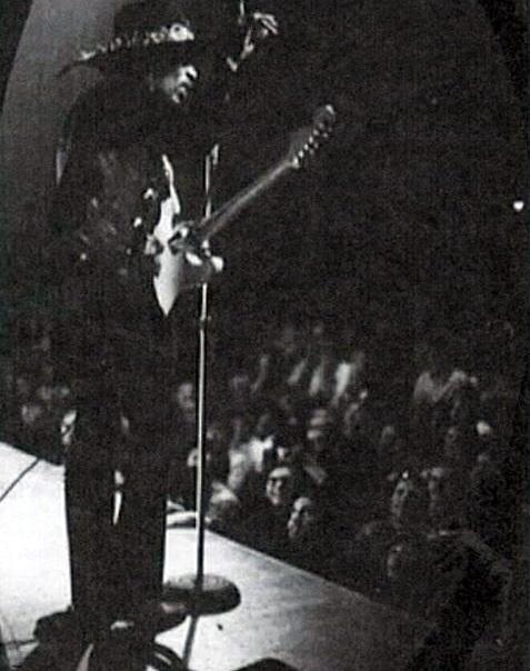 Los Angeles (Ackerman Union Grand Ballroom, UCLA) : 13 février 1968  185127UCLAo