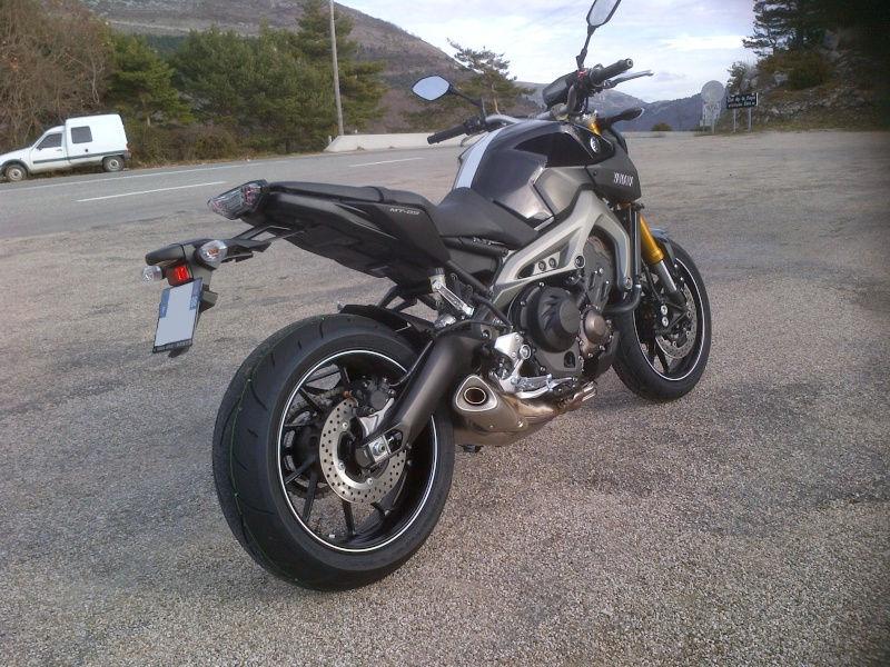 Photos de toutes les Yamaha MT-09 du forum ! :) 185777YRowley