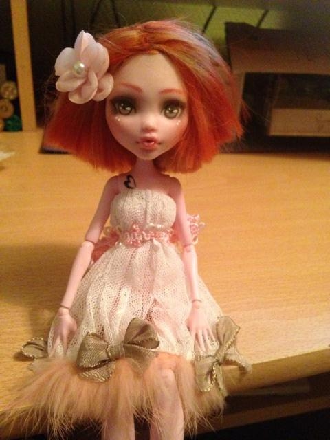 Mes dolls ^_^ 186147Lola1