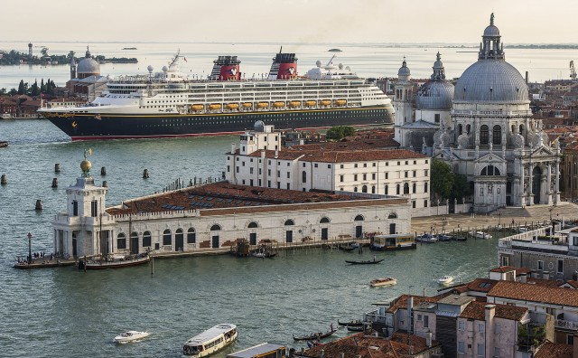 [Disney Cruise Line] 2013: Disney Magic en Europe, Disney Wonder au départ de Miami - Itinéraires page 3.  - Page 5 187834DisneyMagicVenise3