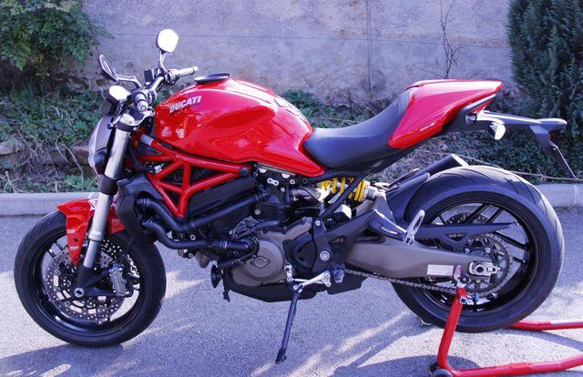 Enfin du temps pour la moto, mais pas que... 190146Monster821pm