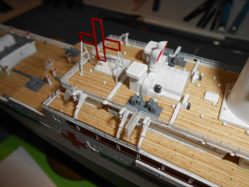 Hikawa Maru hopital 1/350 PE/pont en bois et babioles  - Page 6 198079DSCN5978