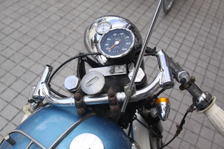 Triump Cafe Racer à Kyoto 203473IMG5127