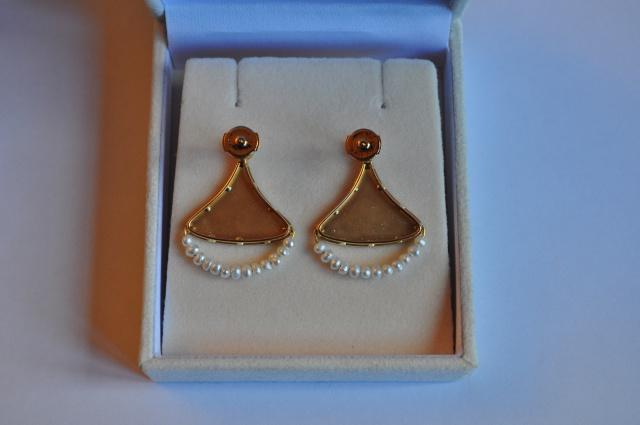 Boucles d'oreilles en or jaune et perles d'eau douce 205071DSC0242