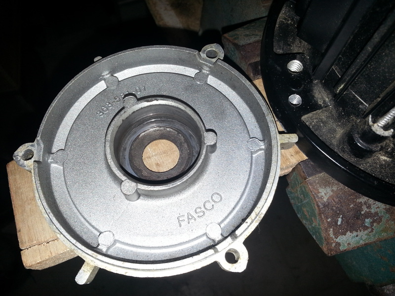 moteur bruyant 20858620150503184700small