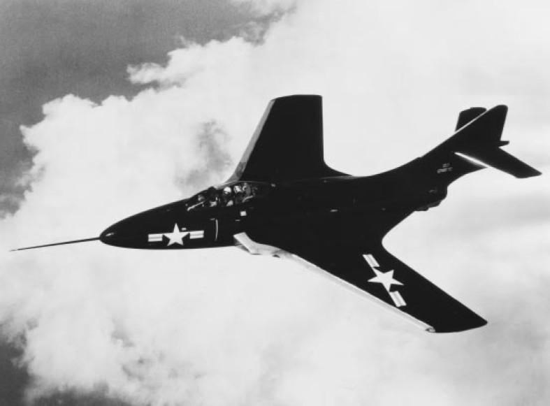 VOUGHT F-8 CRUSADER  214909GrummanF9F6Cougar1952
