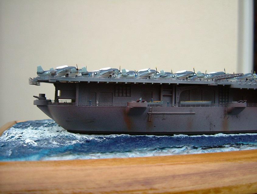CV-9 USS ESSEX par Kagou 1/700 - Hasegawa + photodec 216306EssexCV910