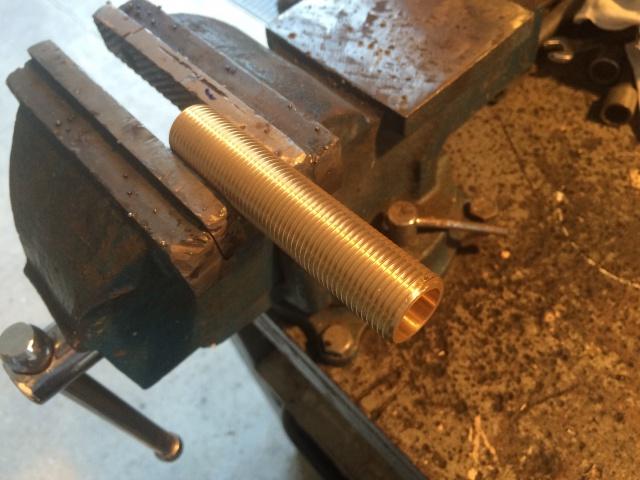 800 VN - TUTO : Fabrication repose pieds et commande maison laiton 216543photo1441823289553