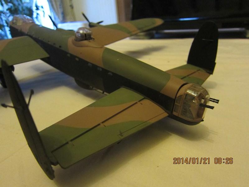 Avro Lancaster BI/BIII de Tamiya au 48 219090IMG1421Copier