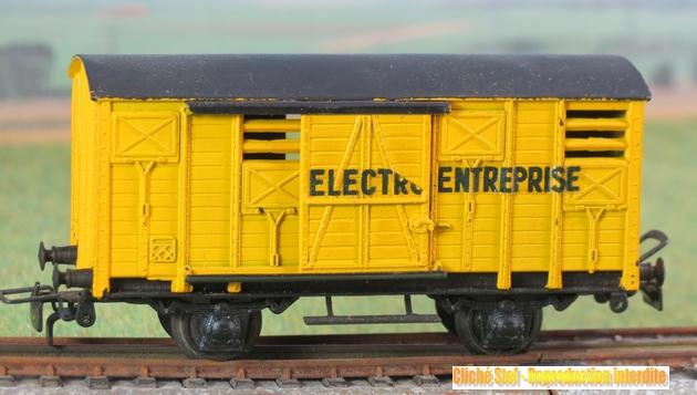 Wagons couverts plastique 221125VBcouvert2essplastiquejauneElectroEntrepriseIMG3427