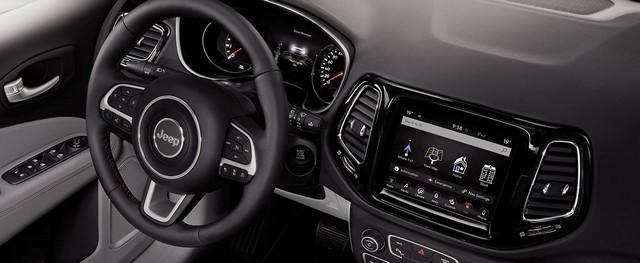 Nouvelle Jeep® Compass 2017 : Sous le signe du 7 221670170606JeepCompass19