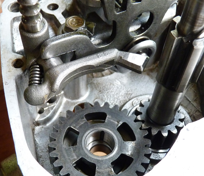 remontage d'un bas moteur d'une 125 TS 222399P1060183