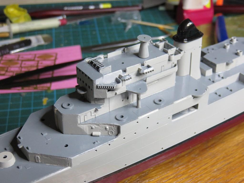 Croiseur anti-aérien De GRASSE version 1956 Réf 1004 - Page 2 222421IMG0115Copier