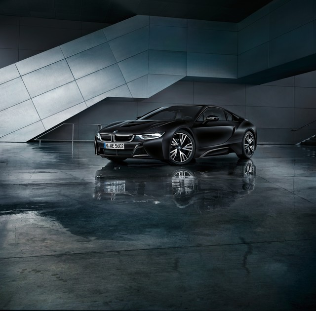 BMW au 87e Salon international de l'Automobile de Genève 2017 223518P90246545highResthenewbmwi8froze