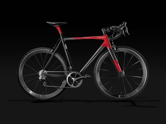 Audi présente son premier vélo de course en carbone  224926AudiSportRacingBike4