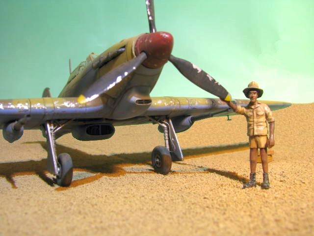 Hawker Hurricane Mk IId Trop 6 Sqn 1942 Hobbycraft 1/48.... Terminé! - Page 2 225747IMG1200retouchesepia