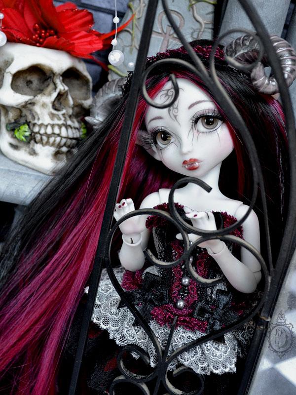 [Créa] † Mystic Dolls † : Réservations ouvertes ! 230844NenyaVampire05