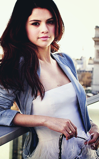 Selena Gomez - 200x320 234032Selena11