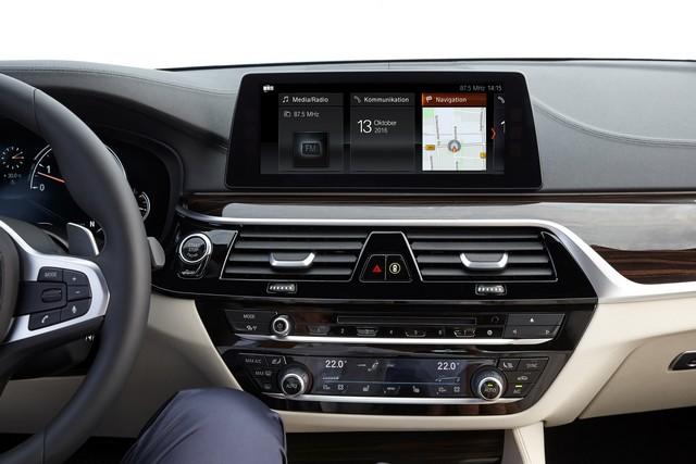 La nouvelle BMW Série 5 Berline. Plus légère, plus dynamique, plus sobre et entièrement interconnectée 234973P90237247highResthenewbmw5series