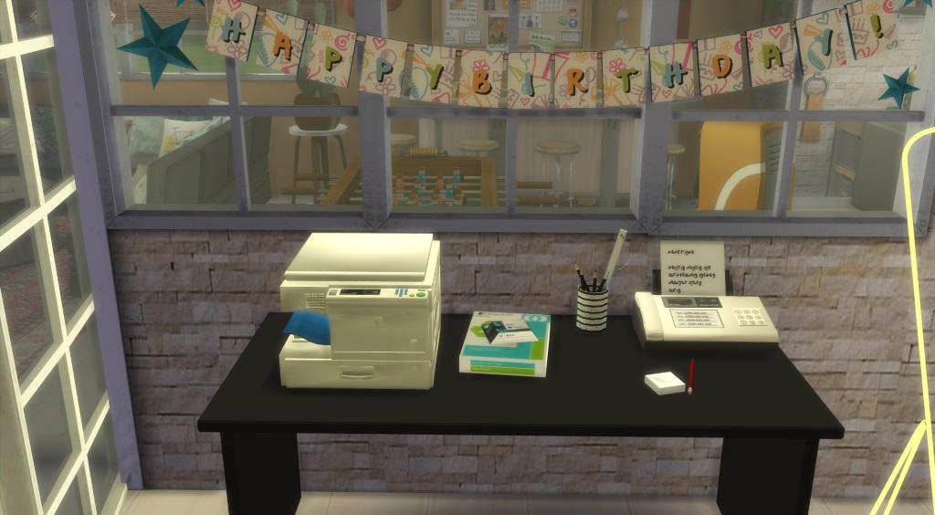 Joyeux Anniversaire : Le bureau de SA - Page 3 237919965