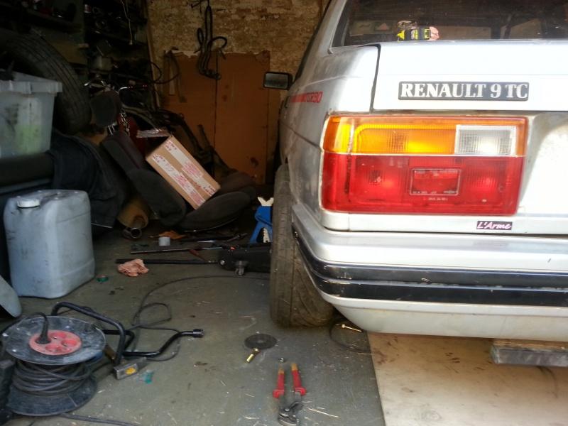 Mimich et sa R9 Turbo (du moins ce qu'il en reste) 24099820120808192358