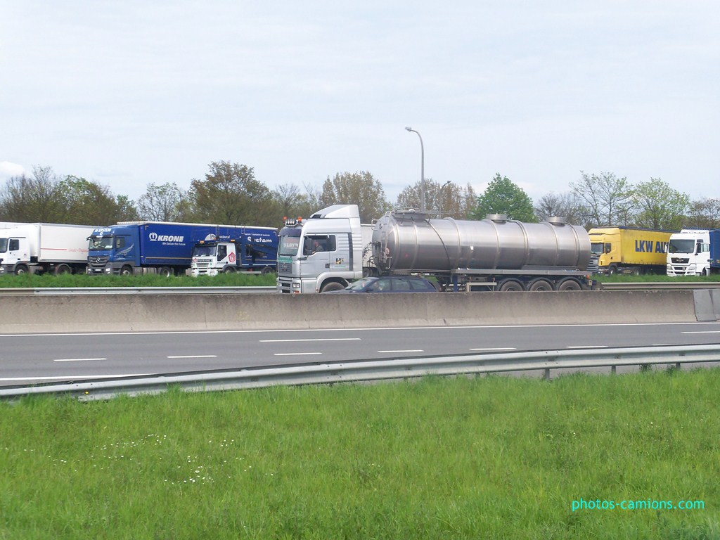 Photos avec plusieurs camions - Page 3 241527photoscamions30Avril2012165