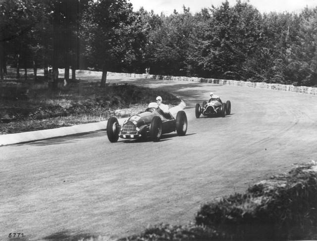 La légendaire Alfa Romeo 158 célèbre le retour de la Marque en Formule 1 lors de l'inauguration du FIA ''Hall of Fame'' à Paris 243055170420Heritage01