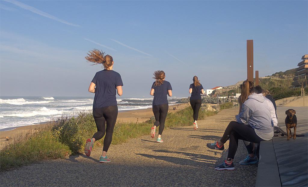 jogging 245280Image123jpegred