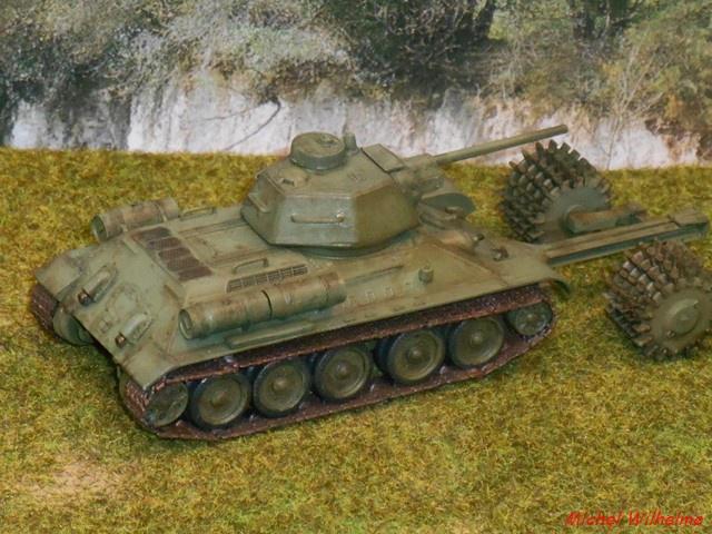 blindé russe 3    Le  T 34 Démineur 247710DSCN9976Copier
