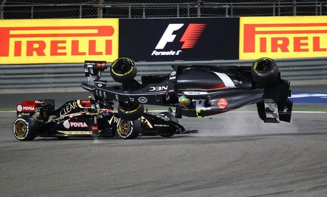 F1 GP de Bahreïn 2014 : Victoire Lewis Hamilton 2501562014accidentGutierrez2