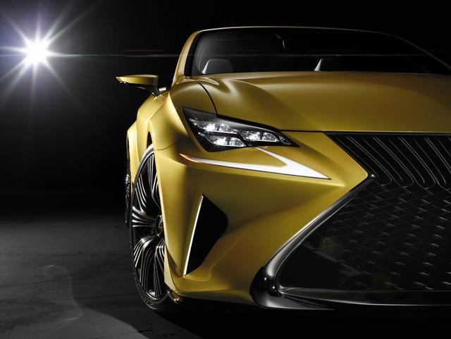 Le Concept Lexus LF-C2 Brille Sous Les Projecteurs Du Salon De Los Angeles 253688LFC2cFrontDetailhigh