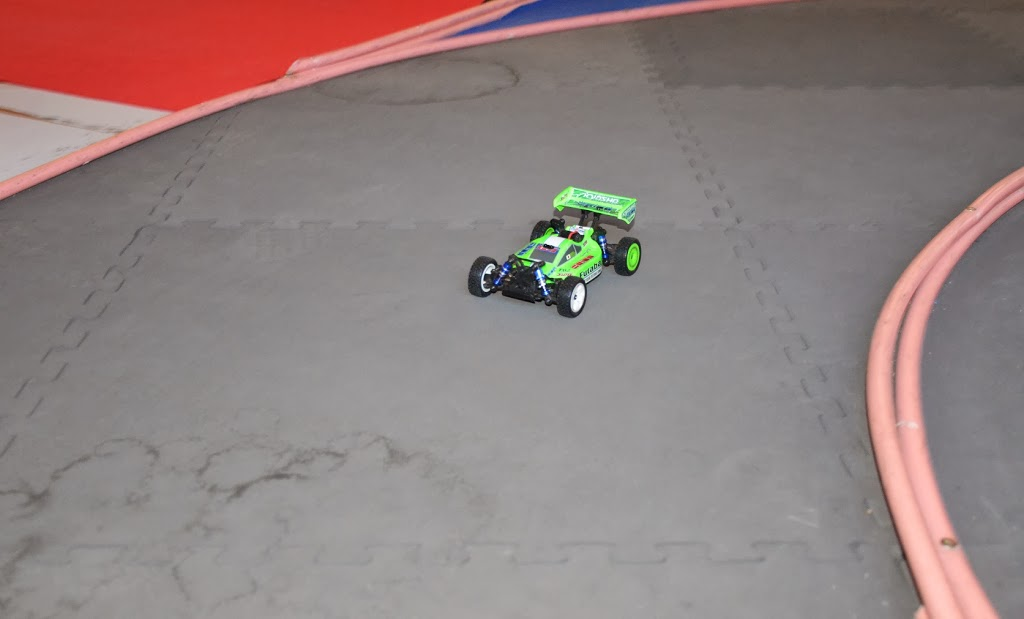 Challenge mini z buggy RC94 2013/2014 - Page 2 255435DSC0711