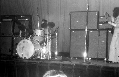 Tampa  (Curtis Hixton Hal) : 18 août 1968 255638hendrixcurtishixonhalltampafl18aug19686mitchandnoel