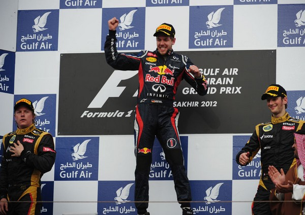 F1 GP de Bahreïn 2012 : Victoire Sebastian Vettel 2559902012KimiRaikkonensebastianvetteromaingrojean