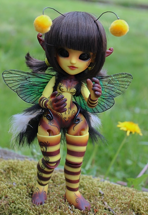 Nouvelle tenue pour ma petite Frost (Butterfly) p7 - Page 3 258009Bee2