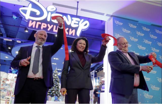 [Boutique Disney Store] Développement d'un réseau de boutiques en Russie (Moscou 4x, Saint-Pétersbourg et Sochi) 258436w753