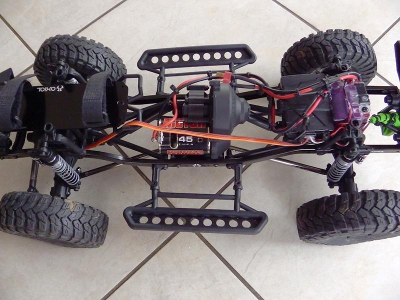 Jeep Rubicon Axial, le scale facile ;-) 259852IMGA0761