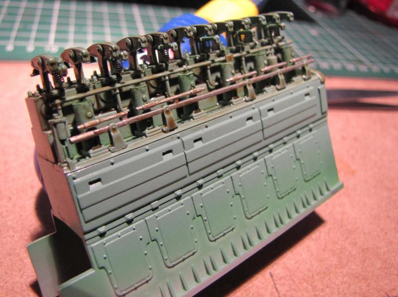 U-552 TRUMPETER Echelle 1/48 - Page 2 26444230zm