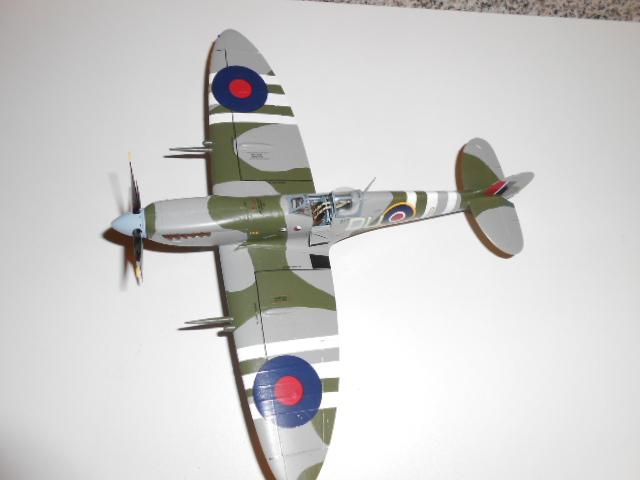 Spitfire juin 44 265574pompier007