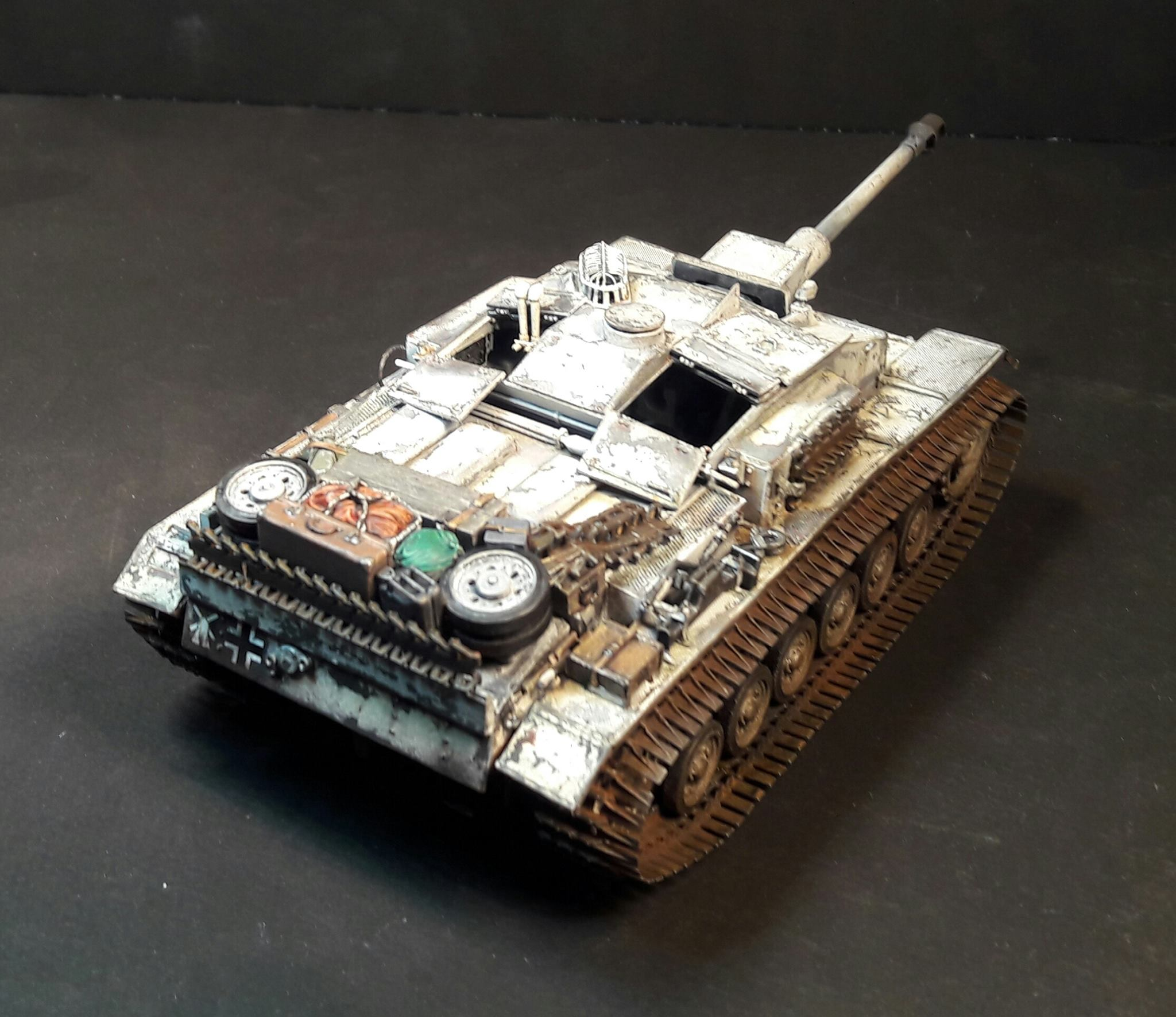 StuG.III Ausf.F/8 late production w/Winterketten - 1/35 - Page 2 26668820930303102120985114325881005210834o