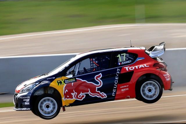 Rallycross - Sébastien Loeb remporte sa première victoire au volant de la PEUGEOT 208 WRX ! 26980557efbbe6d5546