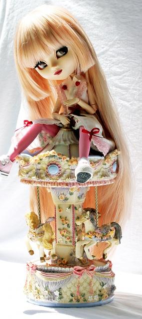 La Gwen's family (26 dolls)  - Page 2 27528500000000000000000000000000000000000000000000000000000