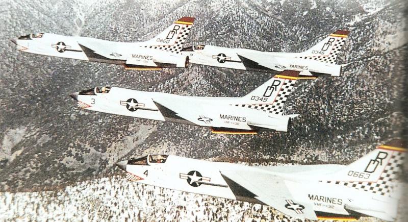 VOUGHT F-8 CRUSADER  275925VoughtF8ECrusaderVMFAW3121964